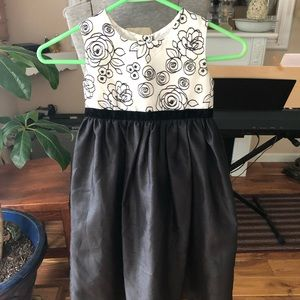 Cherokee girls dressy party dress 5T blk-white